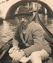 Igor Stravinski (Stravinsky) Igor-stravinsky-gondola-venice-italy-1925
