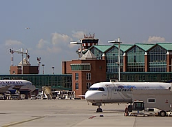 The Marco Polo Airport of Venice italy distance from Marco Polo airport to Venice train statio